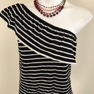 Beautiful black n white top